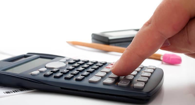 Encomenda taxada, calculando o imposto de importação